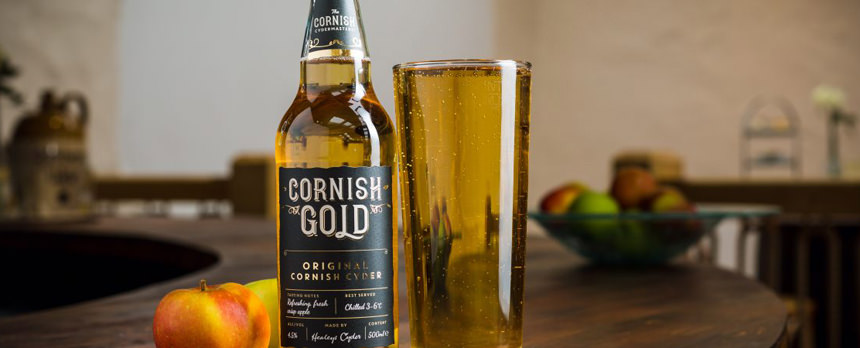 pint of Healeys cider Cornish Gold